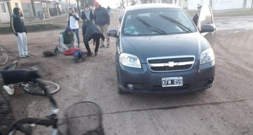 ACCIDENTE ENTRE AUTO Y BICICLETA