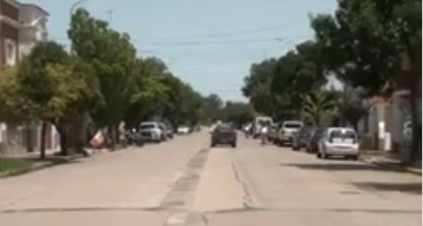MUJER FUE ARRASTRADA 150 METROS POR UNA CAMIONETA
