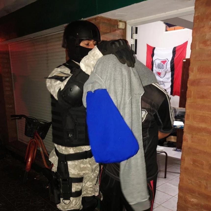 ARROYITO: DOS DETENIDOS POR COMERCIALIZAR DROGAS