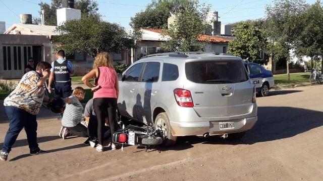 ACCIDENTE DE AUTO Y MOTO EN BARRIO BARRACAS