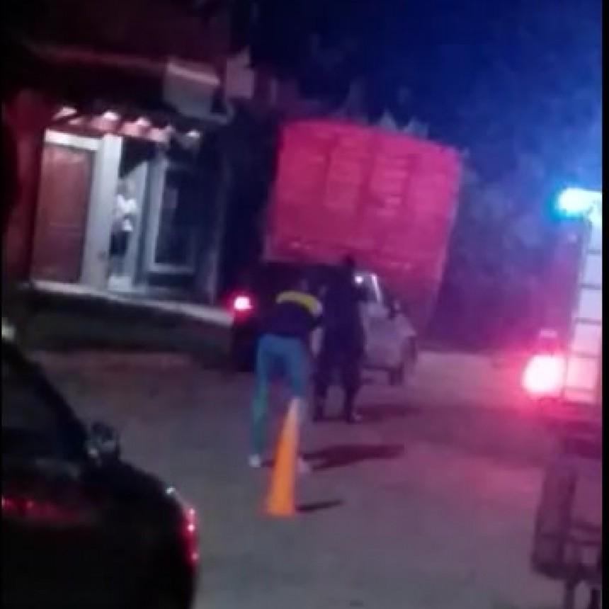 LABORDE: CAMIÓN SE INCRUSTÓ CONTRA UNA CASA