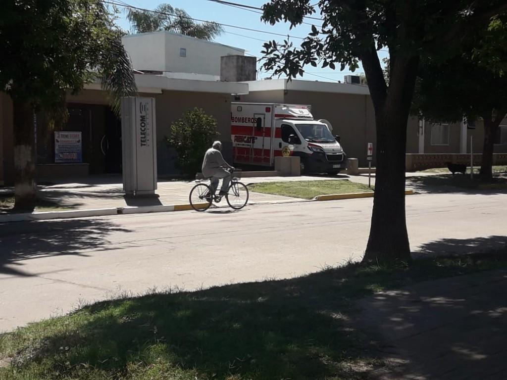 JOVEN LESIONADO EN LA CANCHITA DE FÚTBOL 5