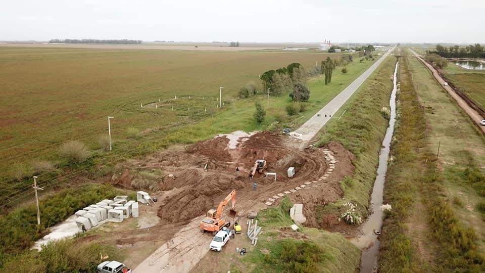 CONSTRUYEN NUEVA CARPETA ASFÁLTICA EN RUTA 11