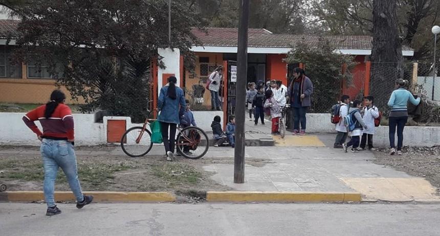 PARO NACIONAL: BAJO ACATAMIENTO DE DOCENTES LOCALES