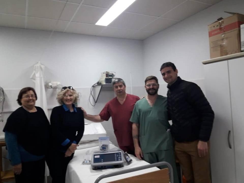 HOSPITAL: CARDIO DESFIBRILADOR PORTÁTIL NUEVO