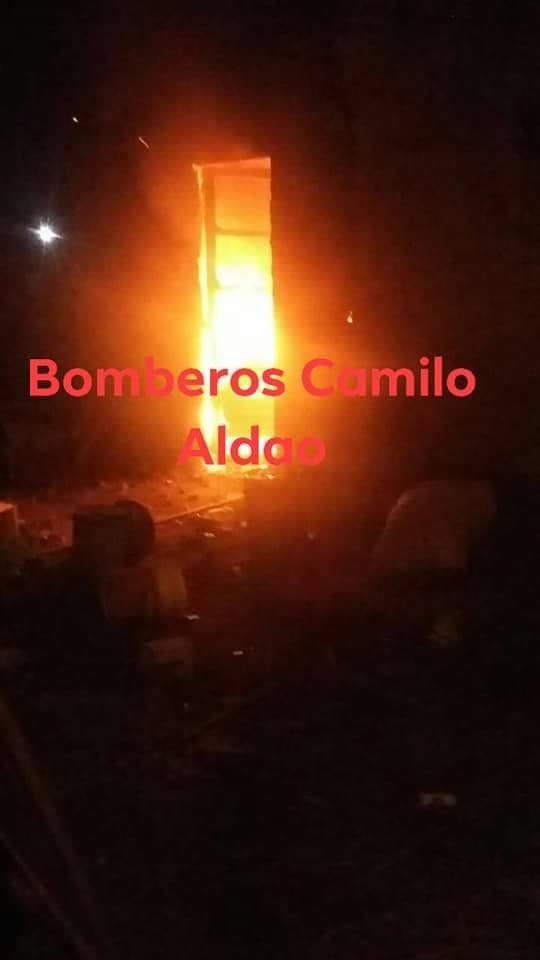 CAMILO ALDAO: VIVIENDA DEVASTADA TRAS INCENDIO