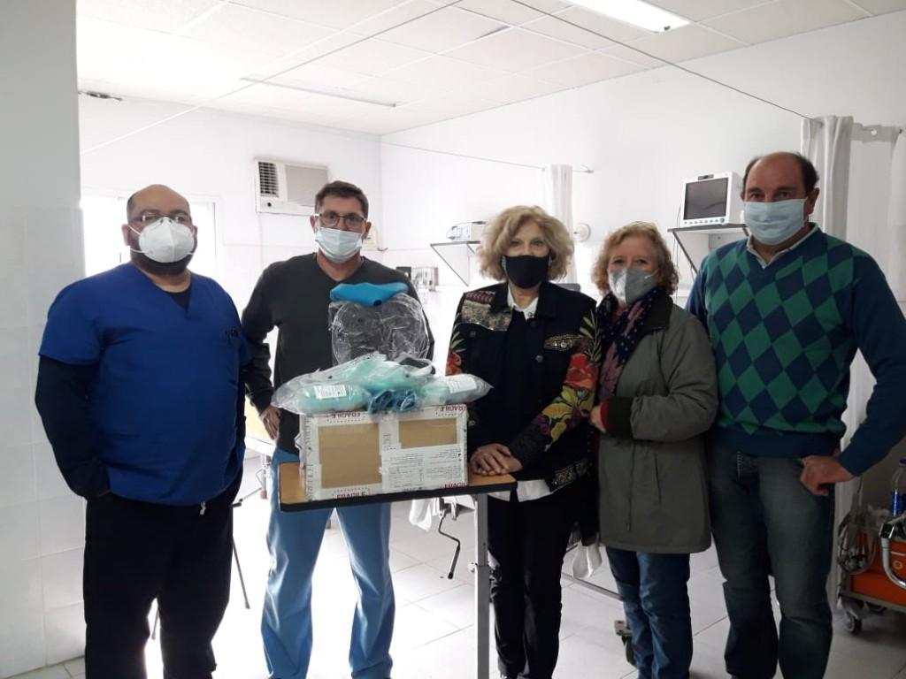 UN CASCO DE ÓXÍGENO PARA EL HOSPITAL