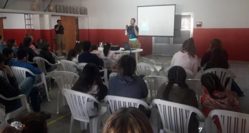 BOMBEROS: CURSO DE RCP PARA NIÑOS