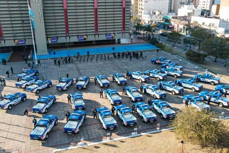 ENTREGA DE MÓVILES 0 KM. PARA LA POLICÍA