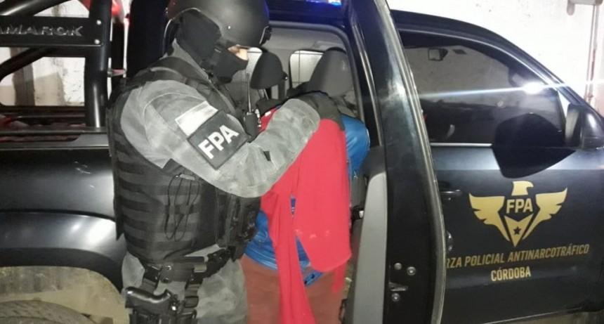 4 NARCOS DETENIDOS CON 4000 DOSIS DE DROGAS