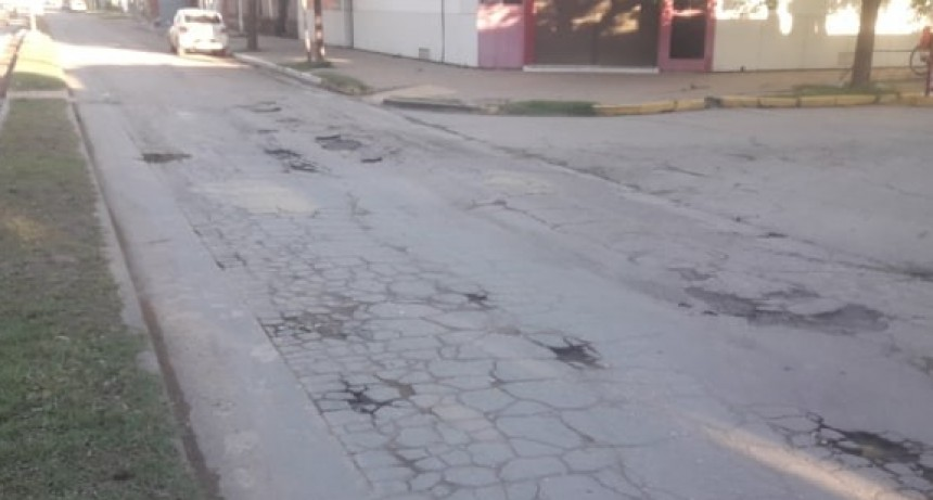 BACHES EN AVENIDA PERÓN
