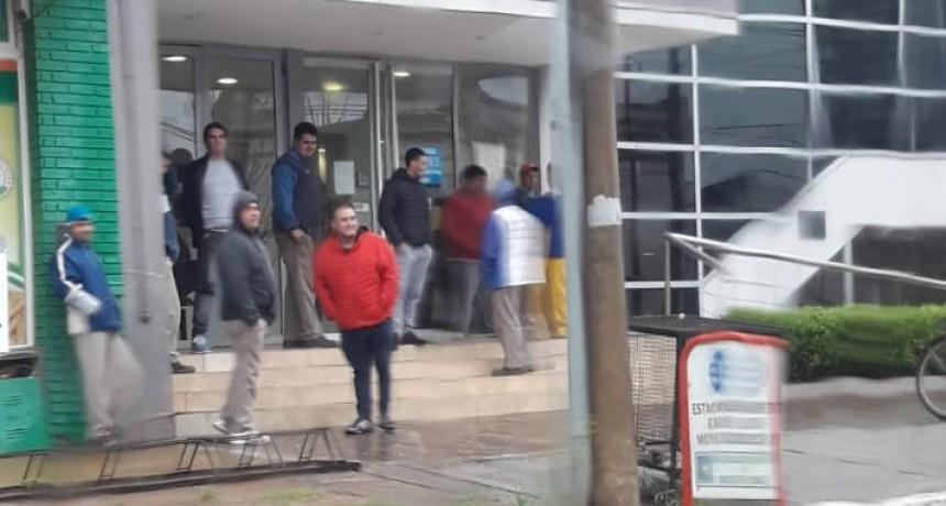 ASAMBLEA DE EMPLEADOS MUNICIPALES