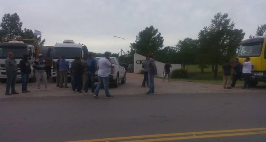ESCALANTE: CAMIONEROS RECLAMARON AUMENTO DE TARIFA